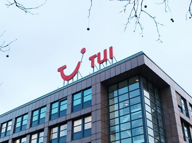 """Владелец """"Северстали"""" хочет увеличить свою долю в туристической компании TUI AG"""