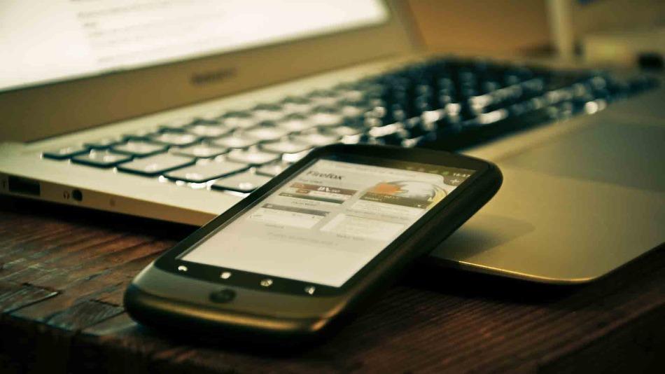 Мошенники сняли сотни тысяч рублей с карт вологжан через смартфоны