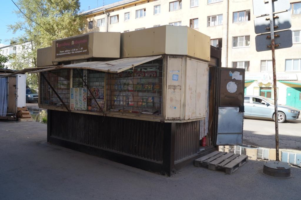 В Вологде два ларька незаконно продавали алкоголь в День молодежи