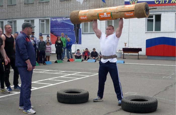 Соревнования по силовому экстриму прошли в Вологде