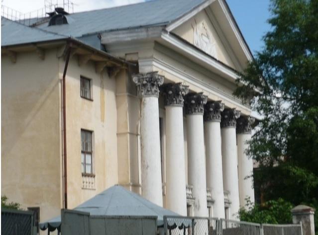 Бывший Дом культуры на набережной Вологды продан