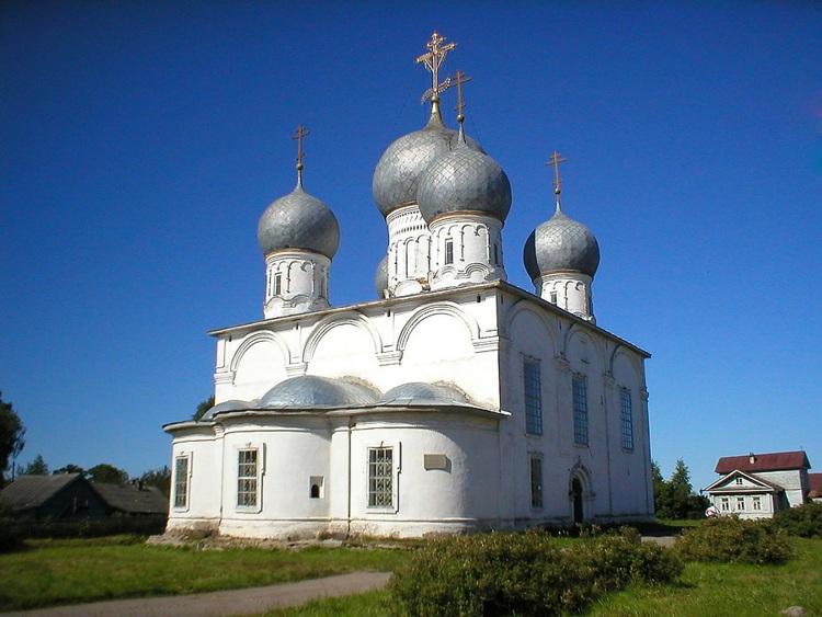 Спасо-Преображенский собор Белозерского кремля вновь открыли для богослужений
