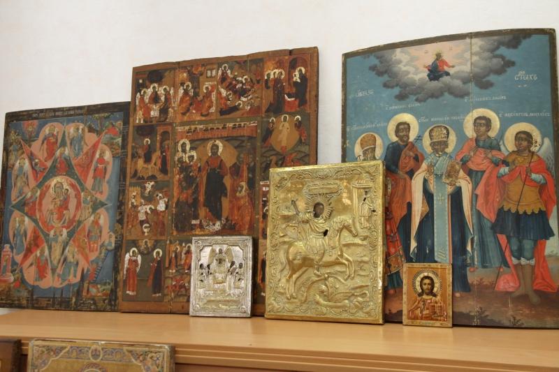 Часть украденных икон вернули в Вологодскую область