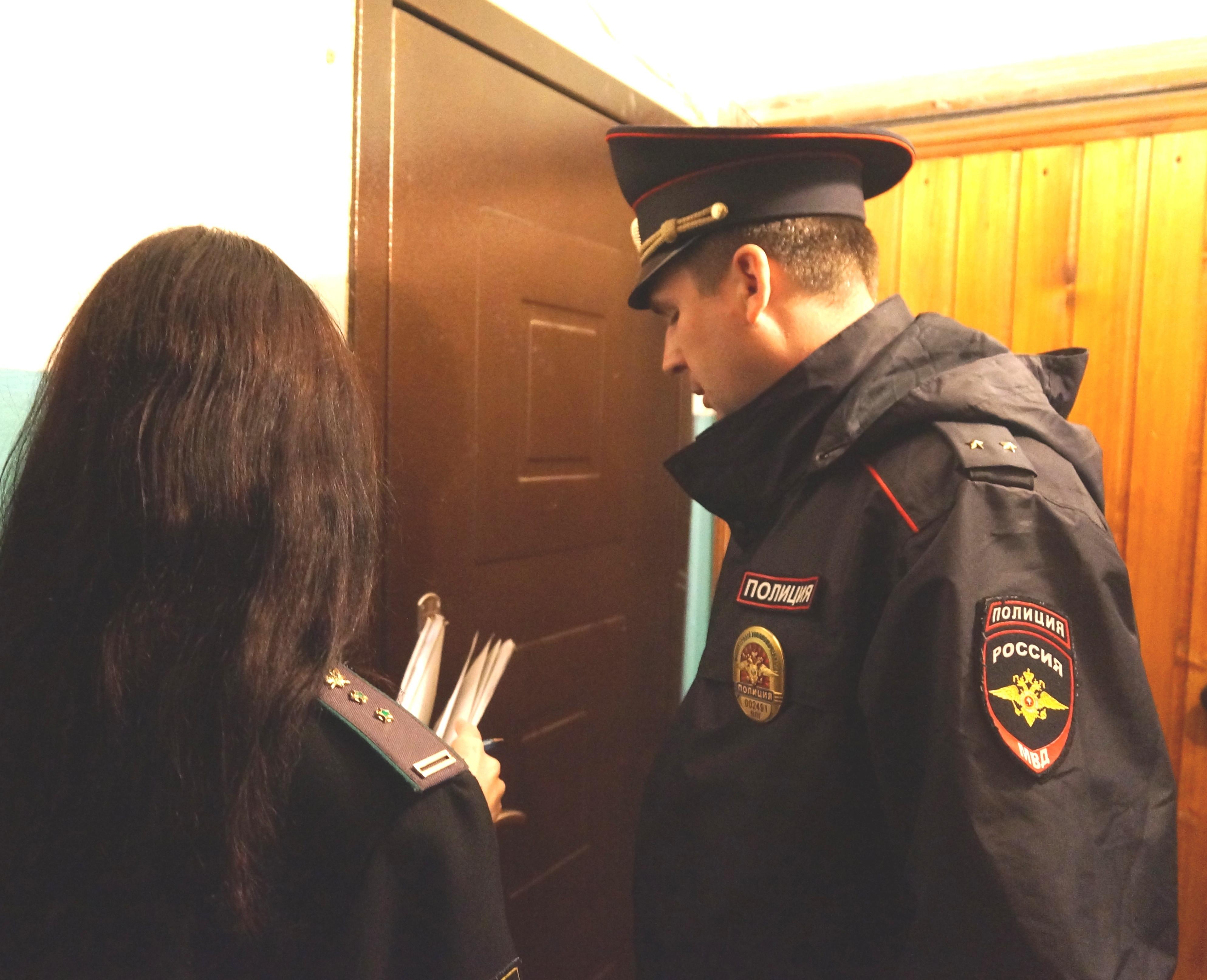 Должников по коммуналке выселили из муниципального жилья