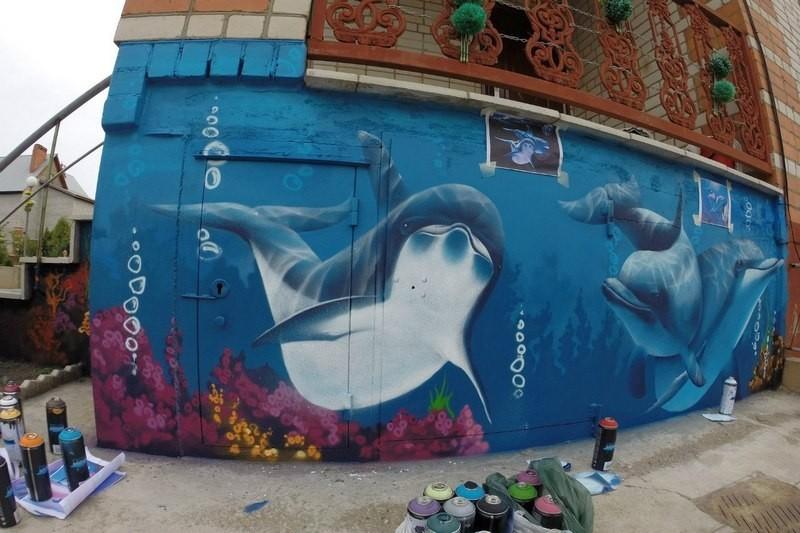 Стены Череповца разрисуют граффити
