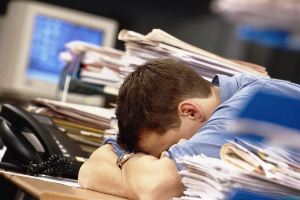 400 человек  за два месяца сократили на работе в Вологде