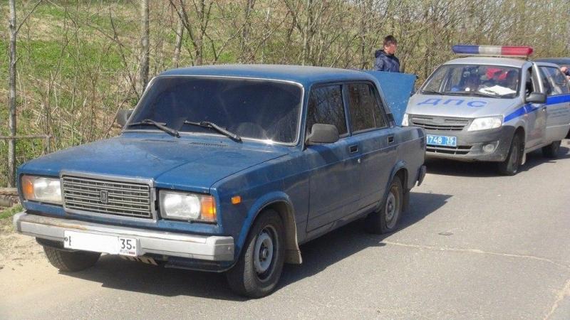 В Вологде полицейским пришлось стрелять, чтобы остановить пьяного водителя без прав
