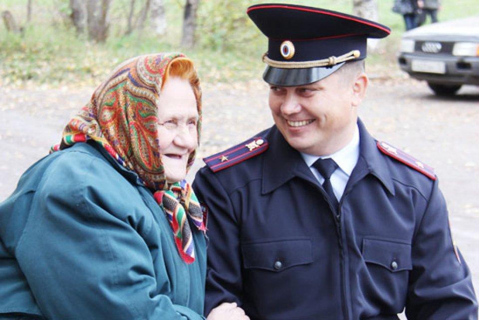 Жадность сгубила: в Череповце мошенница вернулась к обманутой пенсионерке, когда там была полиция
