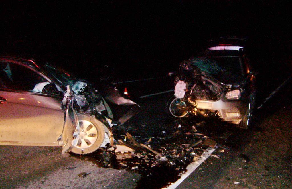 В Череповецком районе иномарка врезалась в МАЗ, а потом в другой автомобиль