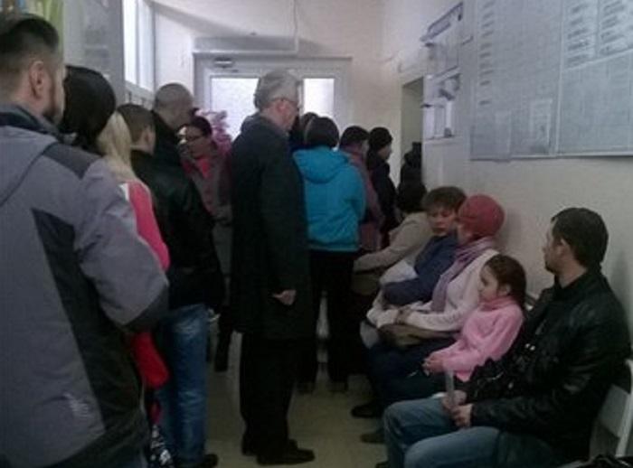 Интернет не пройдет: вологжанам приходится идти в поликлинику к 6 утра, чтобы записать ребенка к врачу