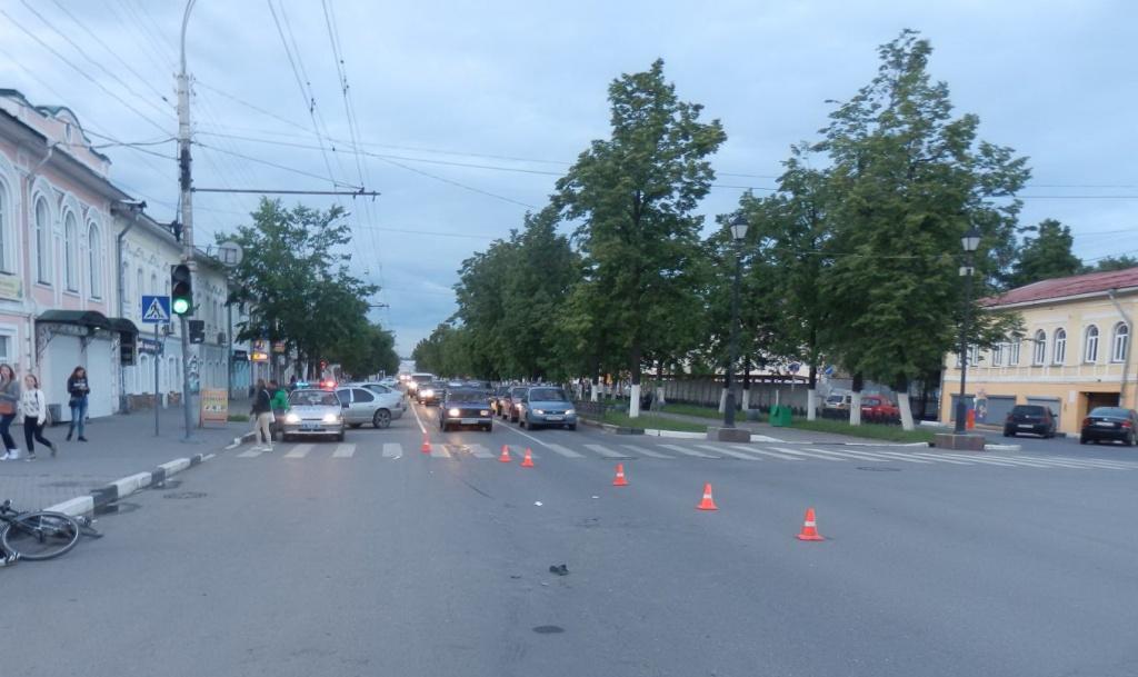 Нетрезвый мотоциклист сбил велосипедиста в Вологде