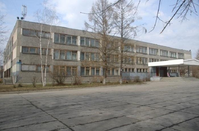 В Череповце задержаны подростки, напавшие на директора школы, а сам он уволился