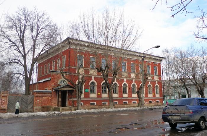 Устюженскому району придется выплатить более 4 млн рублей за аренду здания детской школы искусств