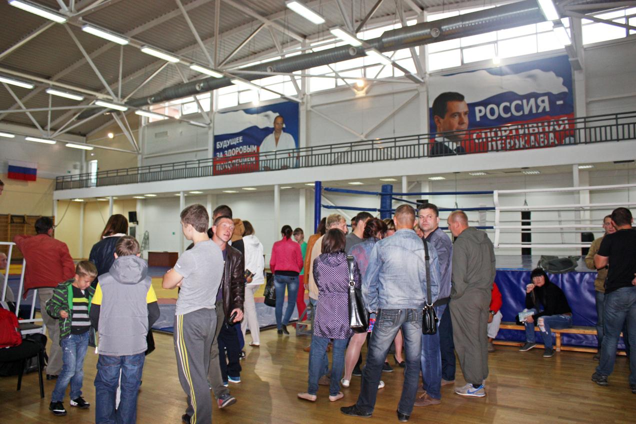 Спортивные школы Вологды стали менее доступны для детей: родители возмущены