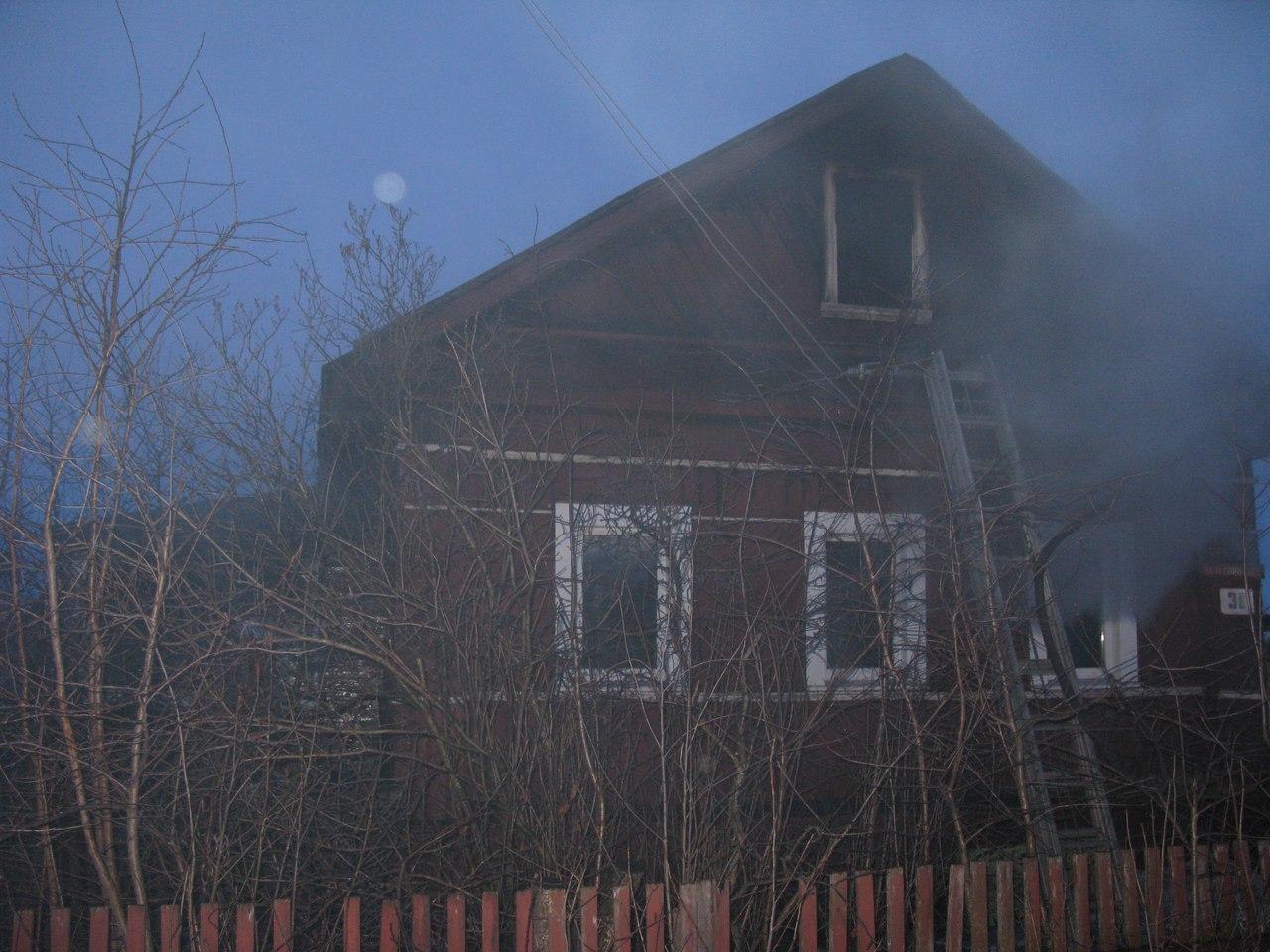 87-летняя пенсионерка погибла во время пожара в Белозерске