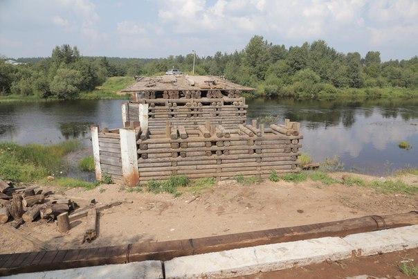 В Бабаево возобновили ремонт моста в центре города