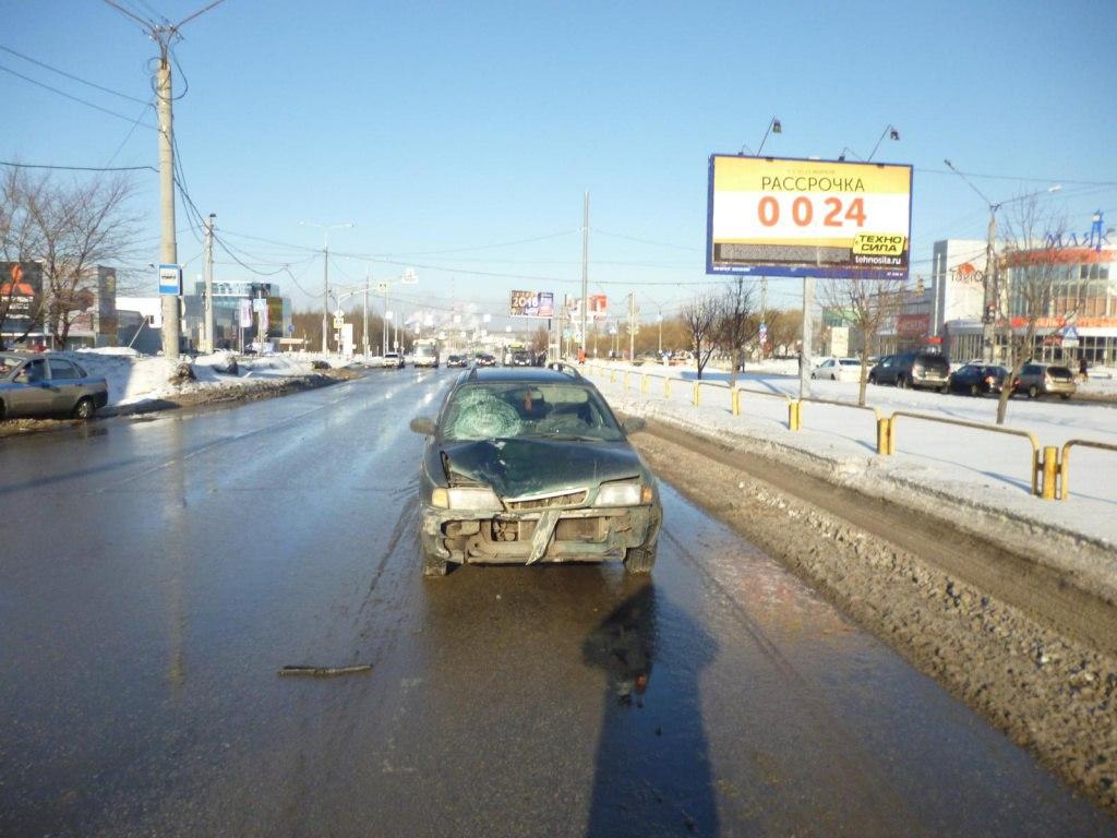 В Череповце сбили пенсионерку, перебегавшую дорогу на «красный»