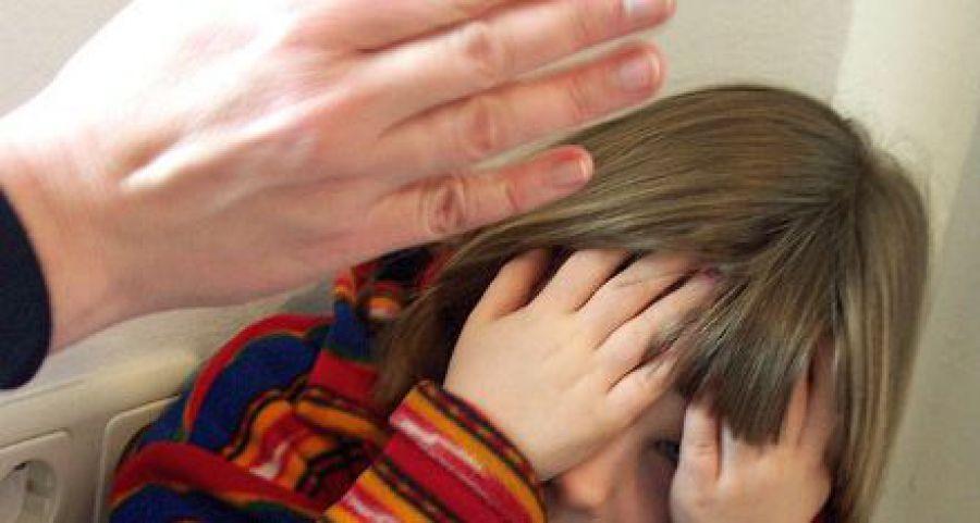 За истязание приемных детей вологжанка получила условный срок