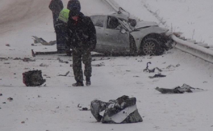 В Шекснинском районе столкнулись «Мицубиси» и грузовой «Вольво»: погиб водитель легкового автомобиля