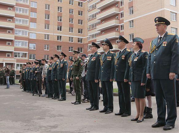 Череповецким военным вручили ключи от новых квартир