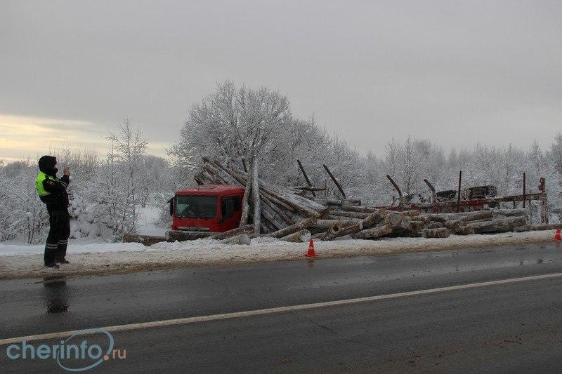 Пассажирка легкового авто пострадала в аварии в Череповецком районе