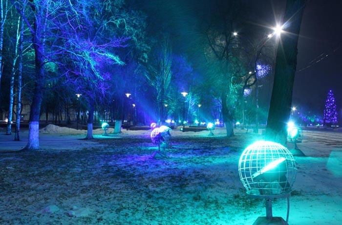 В числе похищенных новогодних украшений в Вологде оказались прожекторы