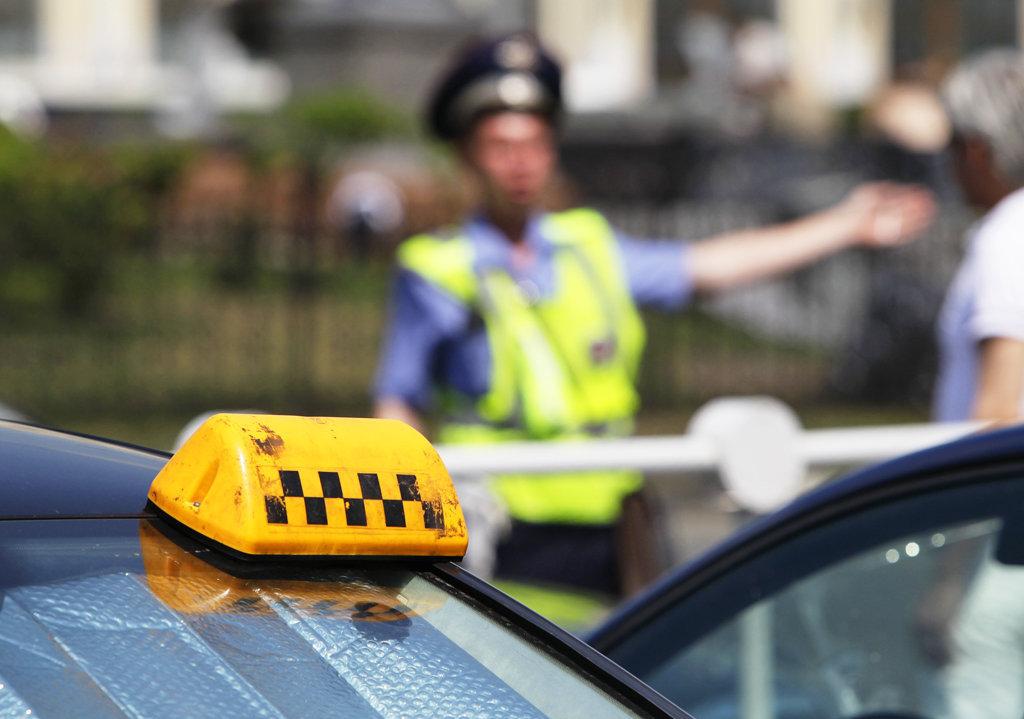 Нелегальным таксистам в Вологодской области грозит арест автомобиля