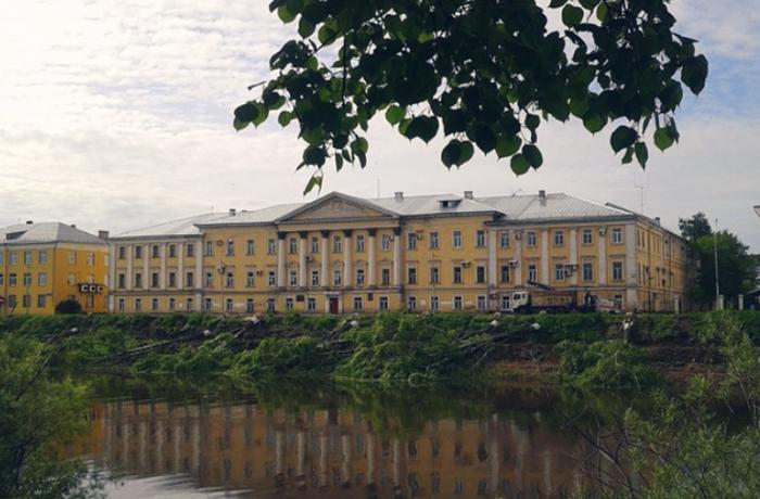 В Вологде укрепят берег Пречистенской набережной