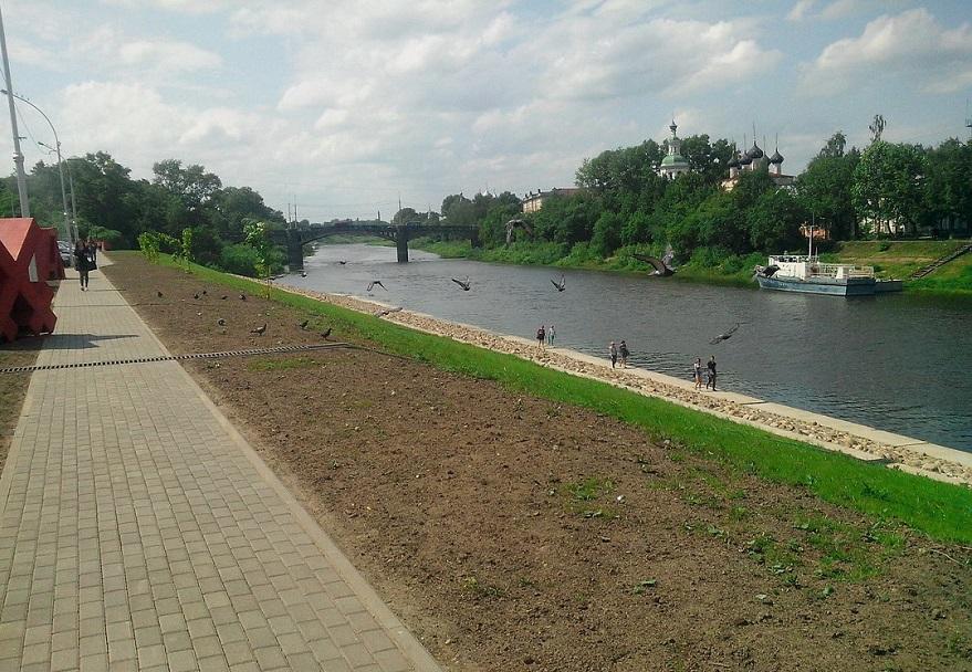Власти Вологды приняли Пречистенскую набережную после гарантийного ремонта