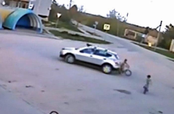 В Вологодском районе женщина сбила 8-летнего мальчика и скрылась с места ДТП