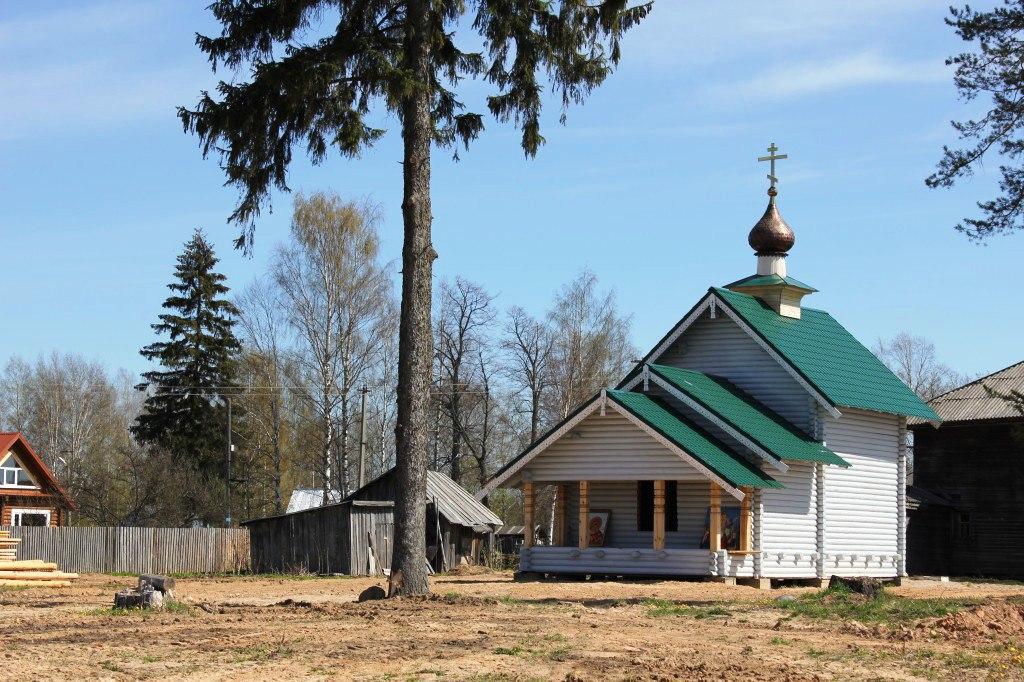 Осужденные сокольской колонии сделали пятиярусный иконостас для храма