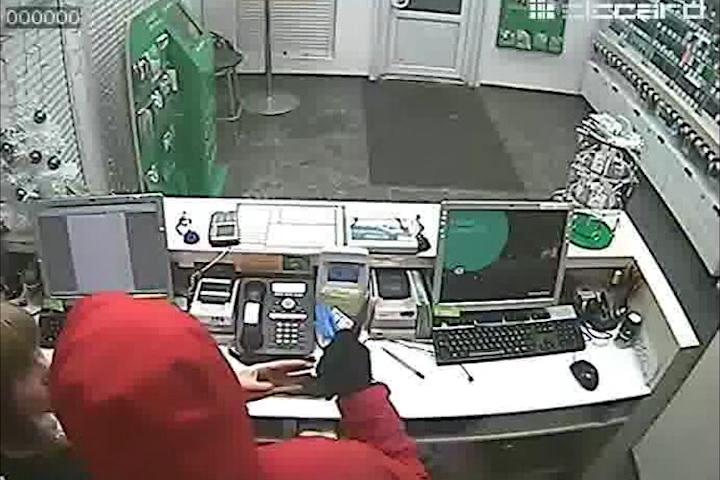 Задержан разбойник, напавший на салон сотовой связи в Вологде
