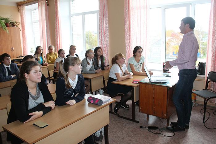 Школьников из Кириллова научат бинтовать раны и спасать жизнь незнакомцам