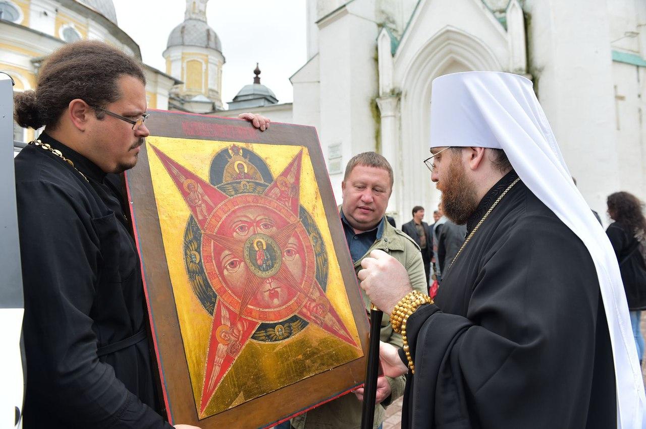 «Всевидящее Око» появилось у Воскресенского собора в Вологде