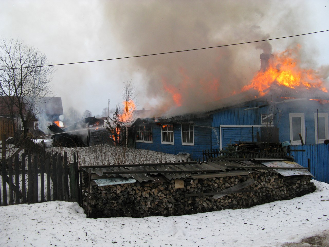 83-летний мужчина погиб во время пожара в Никольске