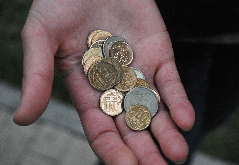 Вологодские педагоги, работающие с «трудными» детьми, получают 7-13 тысяч рублей в месяц