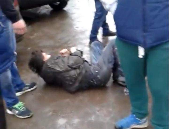 В Вологде пьяный мужчина напал на двух детей
