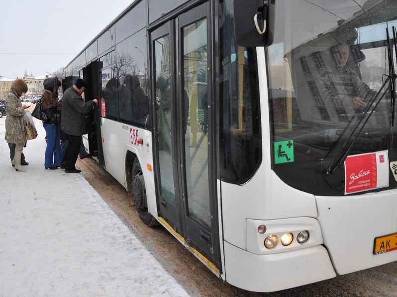 Частных перевозчиков в Вологде заставляют поднимать цены на проезд в автобусах