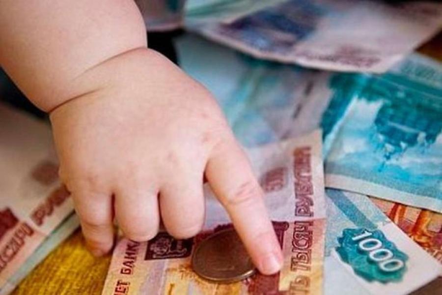 Череповчанин заплатил долг по алиментам и отказался от сына, дав матери ребенка еще 200 тысяч рублей