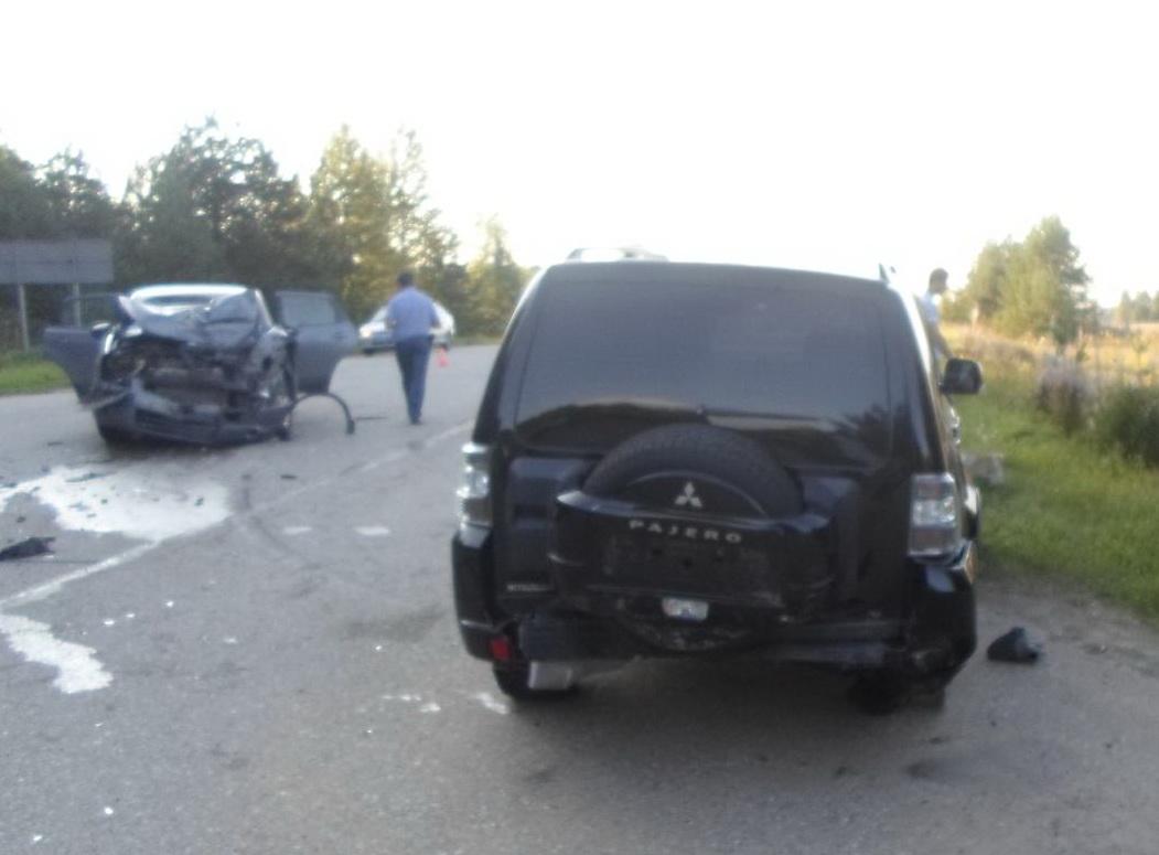 В Череповецком районе столкнулись «Ниссан» и «Мицубиси»: пострадал ребенок