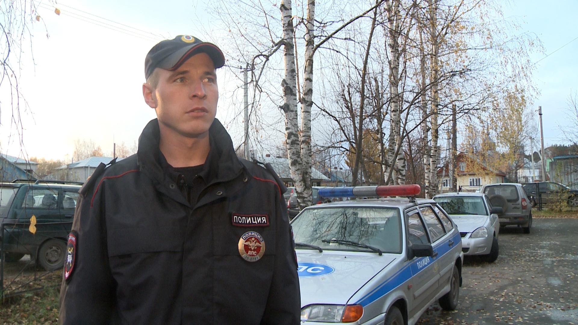 Вологодский полицейский на ходу остановил машину, водитель которой потерял сознание