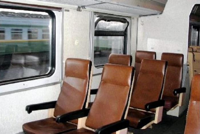 Вместо электричек железнодорожники предлагают вологжанам «сидячие» вагоны