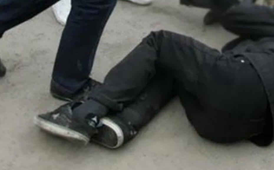 В Череповце избили и ограбили мужчину: удары ножом наносила 15-летняя девушка
