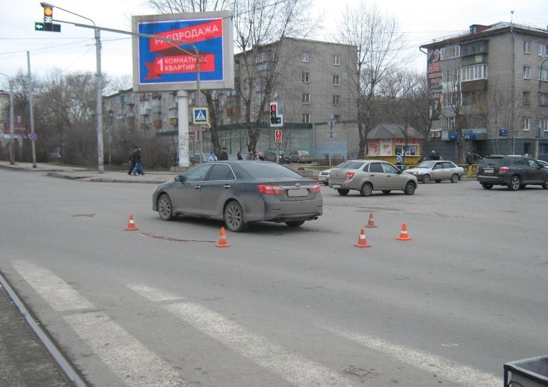 """Пешеход, перебегавший в Череповце дорогу на """"красный"""", скончался в больнице"""