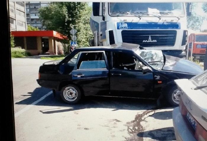 В ДТП на Красной в Череповце погиб человек