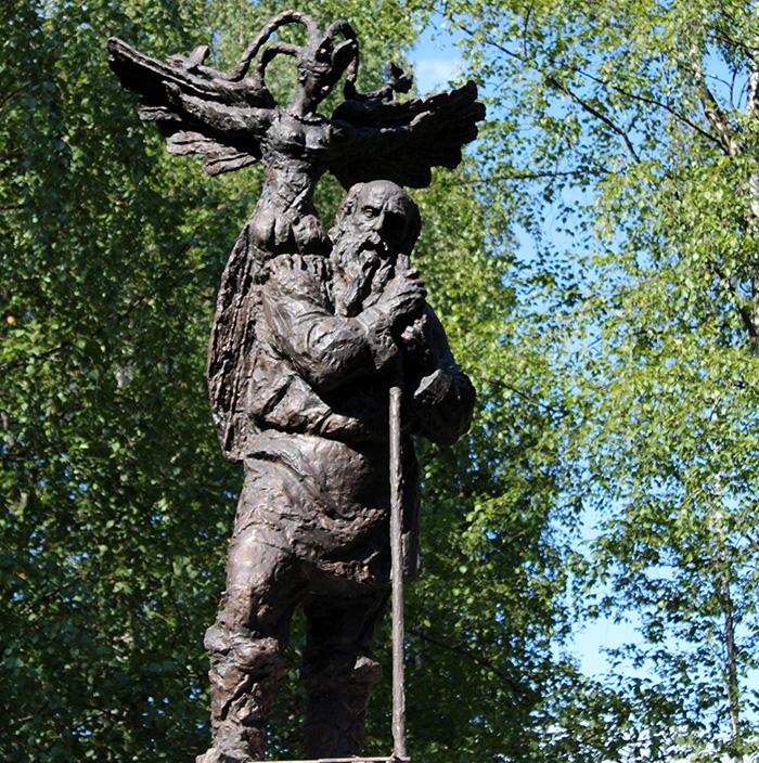 Памятник поэту Николаю Клюеву появился в Вытегорском районе