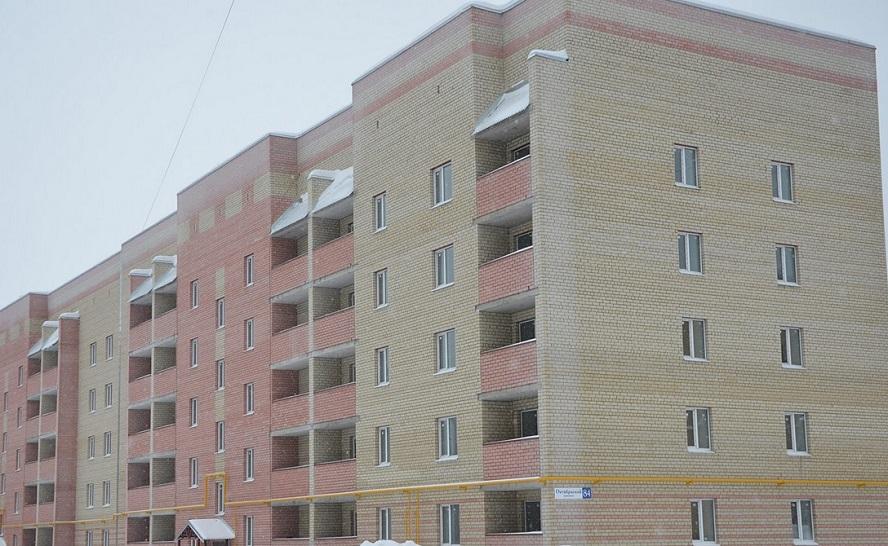 За смерть пенсионерки, упавшей с обрушившегося балкона в Череповце, будут судить не застройщика