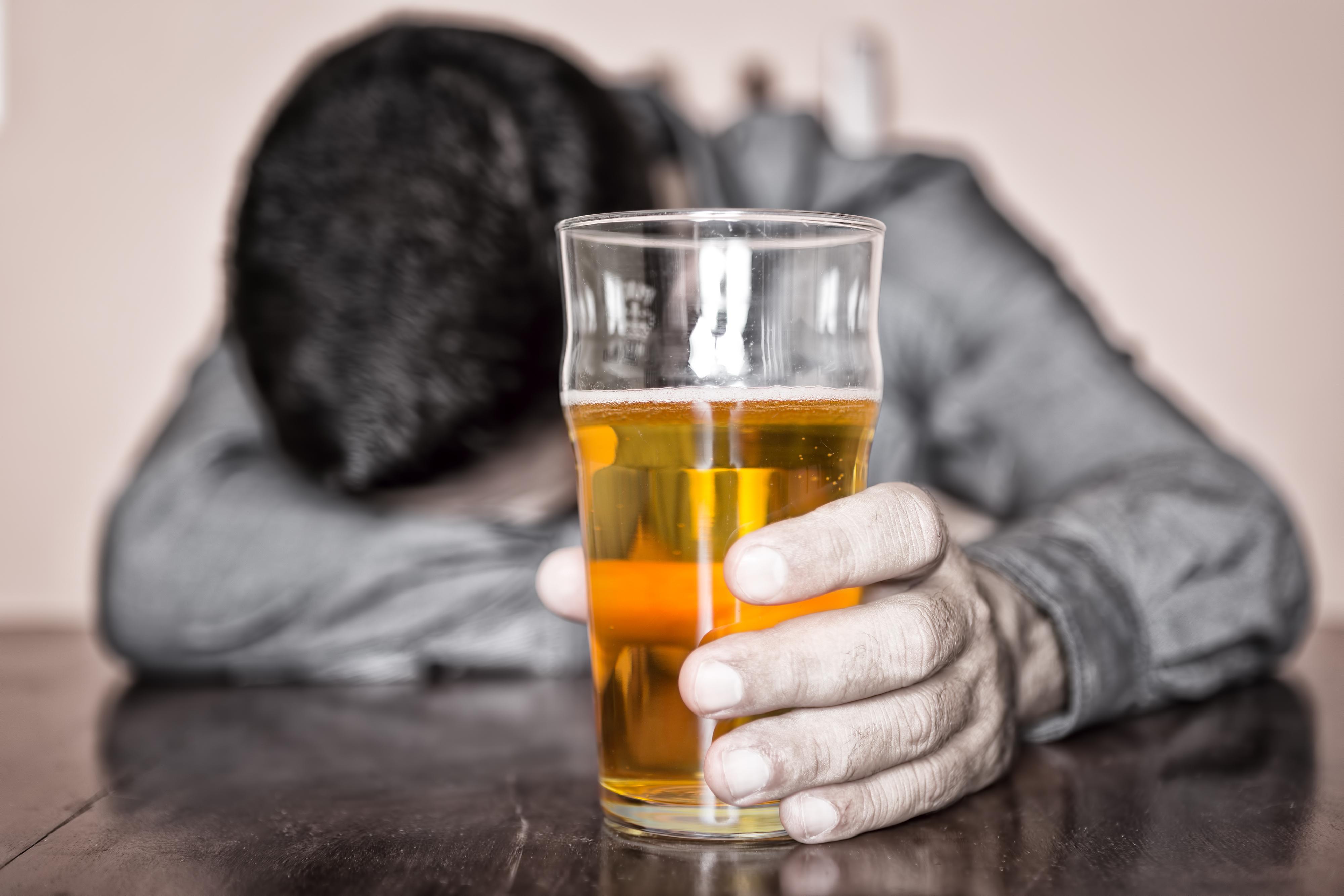В Великоустюгском районе спасатели двое суток искали мужчину, который пьянствовал в соседней деревне