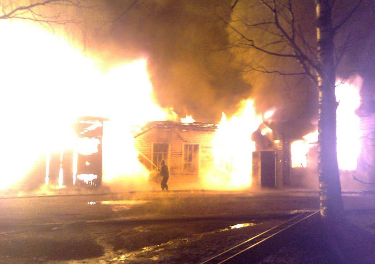 В селе имени Бабушкина сгорело здание районной больницы