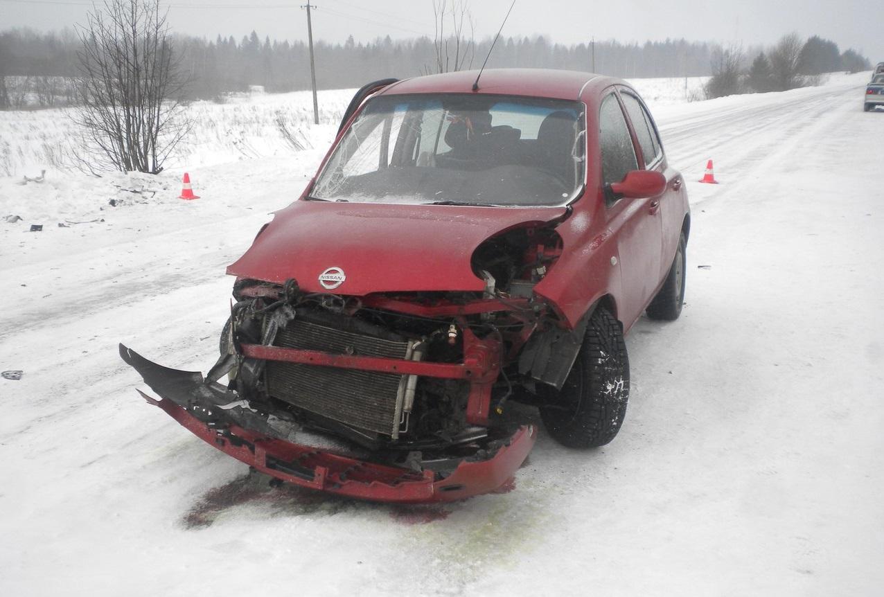 Шесть женщин пострадали при столкновении двух иномарок в Вологодском районе